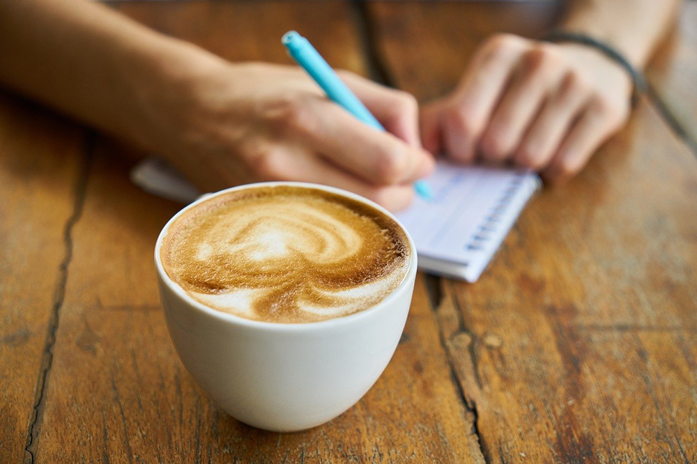 朝イチは手が動かなくて上手くカリグラフィーが書けない、そんな時は・・・・